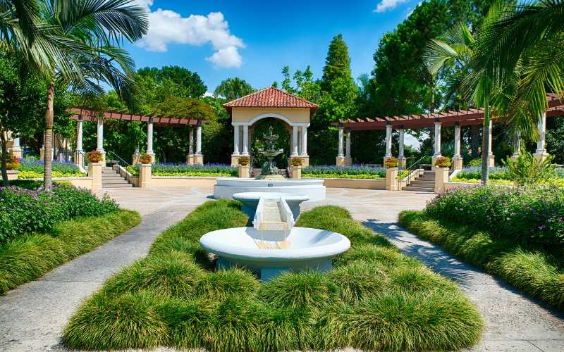 hollis-gardens-lakeland-fl