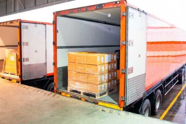 trucks-distribution-warehouse-waller-insurance